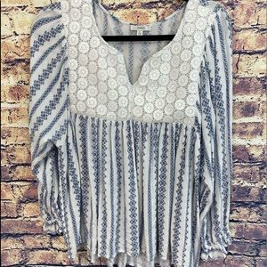 Jodifl Women's large blouse, lace bib with V-Neck